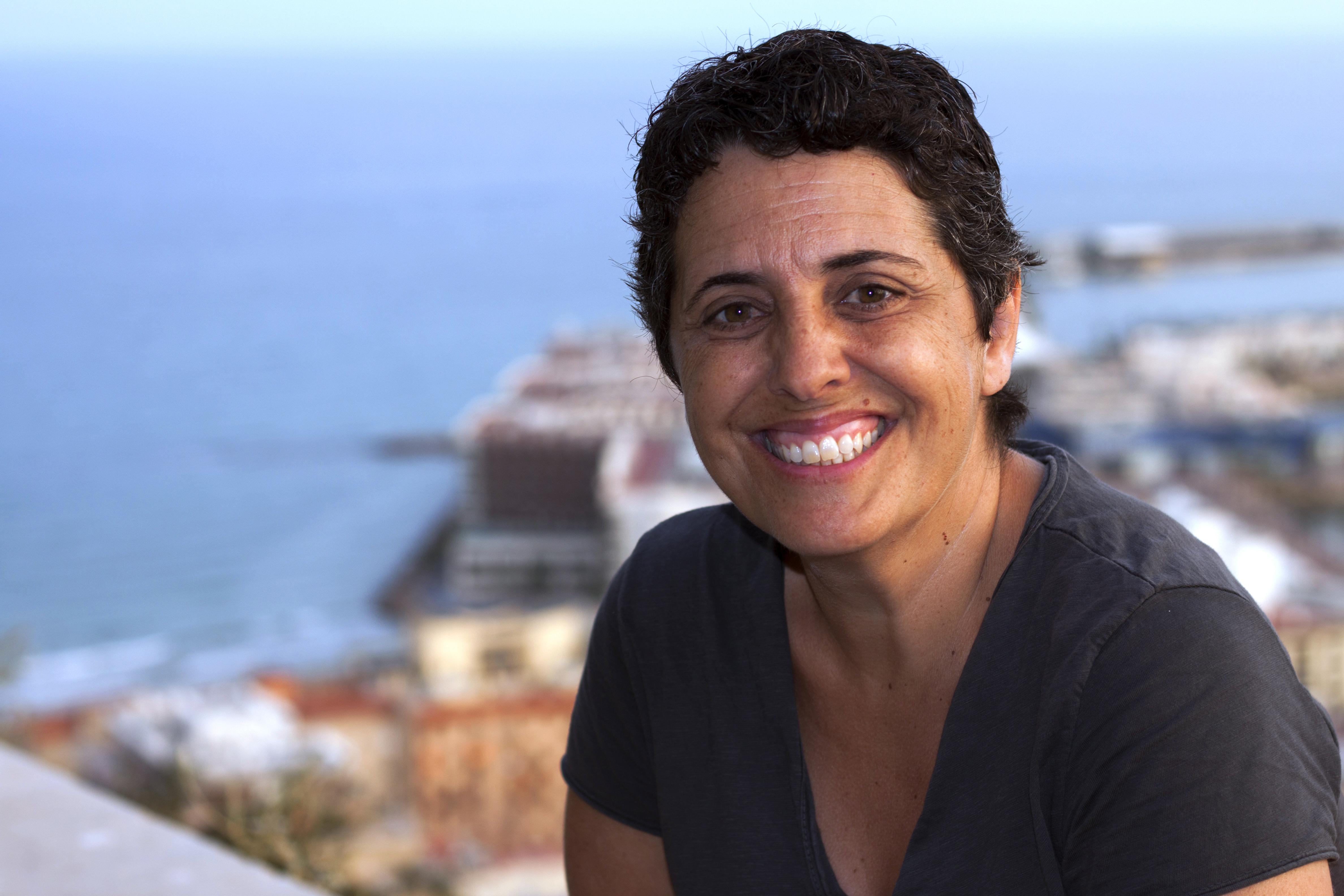 Clara Asunción García escritora foto de biografía